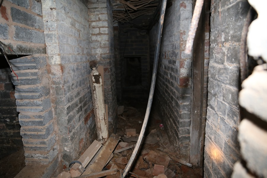 The dungeon appears to be stretching beneath the entire building – Source: Imgur/ demc7
